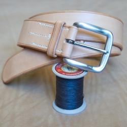 Ceinturon cuir naturel et fil écru